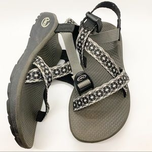 Chacos sz 6